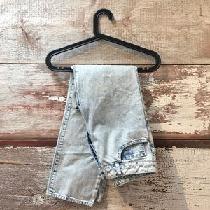 Topshop // girlfriend moto jeans